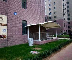 潍坊新华国际现场膜结构遮阳棚